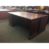 Traditional Kneespace Credenza With Single Filing Pedestal